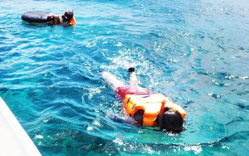 レンボンガン島 マングローブ&シュノーケリング+マリンスポーツ2種+ビーチクラブ【ABW-LBG01】 photo review